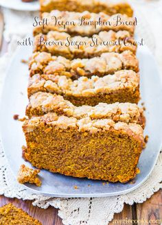 Soft Vegan Pumpkin Bread with Brown Sugar Streusel Crust - You won't miss the eggs or butter in this super soft & healthy-ish bread! Fast, no-mixer recipe from averiecooks.com