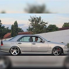 Mercedes Benz C180, Custom Mercedes, Old Scool, Merc Benz, Mercedez Benz, Amazing Cars, Luxury Cars, Cool Cars, Dream Cars
