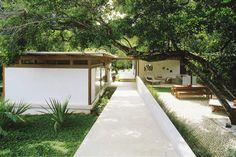 Busca Vida House by Brazilian architect André Luque