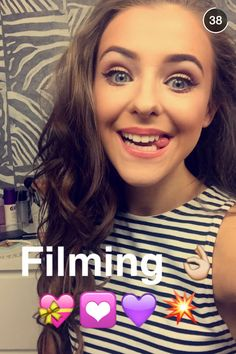 Chloe Youtubers, Chloe, Makeup, Beauty, Women, Fashion, Make Up, Moda, Fashion Styles