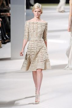 I'm finding myself quite enamored with this Elie Saab dress.