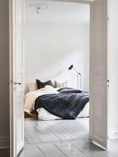 Shop the look: slaapkamer met warme breisels - Roomed | roomed.nl