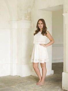 The beautiful Tanya Burr Tanya Burr, Youtube Sensation, Jenni Rivera, Celebrity Crush, Celebrity News, Duchess Of Cambridge, Duchess Kate, Wedding Humor, Formal Gowns