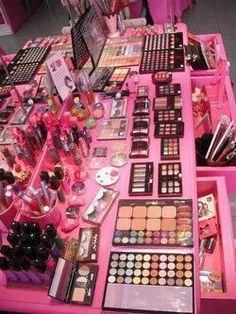 much makeup! but theres never to much makeup! Pink Makeup, Cute Makeup, Beauty Makeup, Vanity Makeup Rooms, Makeup Room Decor, Makeup Storage, Makeup Organization, Unicorn Makeup, Aesthetic Makeup