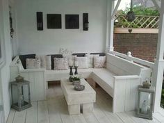 Self made garden furniture. Making it white makes it look so stylish Outdoor Lounge, Outdoor Seating, Outdoor Life, Outdoor Rooms, Outdoor Gardens, Outdoor Living, Outdoor Decor, Gazebo, Pergola