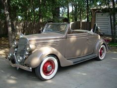 1935 Ford Cabriolet - Image 1 of 11 Convertible, Vintage Cars, Antique Cars, Ford Lincoln Mercury, Transport, Car Ford, Ford Motor Company, Buses, Concept Cars