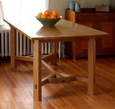 How to Make a Drawbored Mortise-and-Tenon Joint - FineWoodworking Wood Turning Projects, Diy Wood Projects, Furniture Projects, Home Furniture, Furniture Design, Rustic Table, Wooden Tables, Farmhouse Table, Woodworking Joints