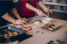 fotograf ślubny Katowice, Ruda Śląska, Mikołów sesja_ciazowa_katowice_014 Chocolate Fondue, Desserts, Food, Tailgate Desserts, Deserts, Essen, Postres, Meals, Dessert