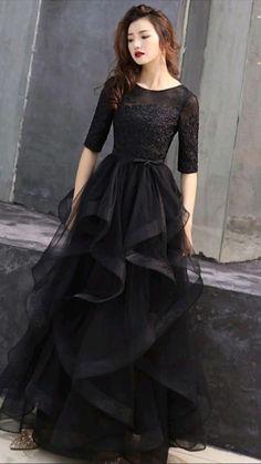 Party Wear Indian Dresses, Designer Party Wear Dresses, Indian Gowns Dresses, Black Prom Dresses, Indian Fashion Dresses, Pretty Dresses, Evening Dresses, Dress Black, Formal Dresses