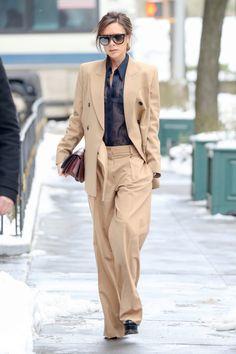 Las 2 tallas extra de los pantalones de Victoria Beckham. Ficha los básicos  de la ... 072c039a117e