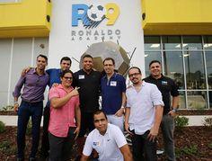 Inauguramos a Ronaldo Academy Orlando - a primeira unidade dos Estados Unidos, já com 200 alunos matriculados. Infraestrutura incrível! Enorme satisfação estar aqui com vocês. Parabéns e obrigado aos nossos sócios, ao Carlos Wizard , ao Rafa Bertani e a todos os envolvidos na realização e entrega desse projeto. Vamos em frente! @ronaldoacademy_us #grandopening #bephenomenal #fashion #style #stylish #love #me #cute #photooftheday #nails #hair #beauty #beautiful #design #model #dress #shoes…