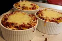 "Individual Lasagnas w/ ramekin -- will do this with my own lasagna recipe. Now I'll have ""appetizer"" lasagna! Baker Recipes, Oven Recipes, Snack Recipes, Cooking Recipes, Dinner Recipes, Yummy Recipes, Recipies, Snacks, Tortellini"
