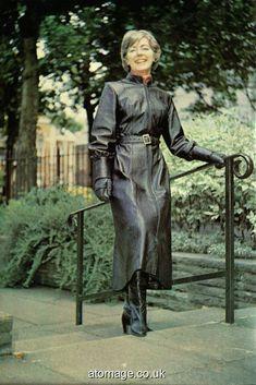 Fetish Lady Helen Henley Head to Toe in stylish black Leather Rubber Catsuit, Rubber Raincoats, Satin Blouses, Rain Wear, Leather Gloves, Older Women, Black Leather, Female, Stylish