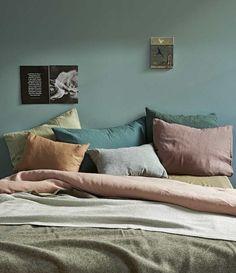 Incroyable Décoration Chambre Adulte Vert Tirant Vers Le Gris, Coussins, Rouge, Vert,  Orange