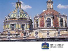 EL MEJOR HOTEL EN PUEBLA. Ubicado al oriente de la capital mexicana, se encuentra el bello estado de Puebla. Sus incomparables atractivos arquitectónicos, han sido uno de los factores más importantes por los que recibe a miles de visitantes. En Best Western Real de Puebla, le invitamos a hospedarse con nosotros en su próximo viaje y descubrir algunas de las más bellas edificaciones de nuestro país. #bestwesternhotelrealdepuebla