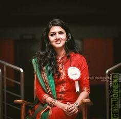 4g Tamil Movie Actress Gayathri Suresh Latest HD Images - Gethu Cinema All Indian Actress, Indian Actress Gallery, Most Beautiful Indian Actress, Indian Actresses, Indian Girl Bikini, Indian Girls, Stylish Girl Images, Beautiful Girl Photo, Indian Beauty Saree