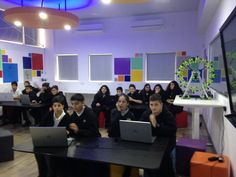 Helen Savvidou @SavvidouHelen Thanks @KahootSteph for playing with us. Students @GSNicosia had a great time! #SkypeaThon @SkypeClassroom  @ToniaGalati