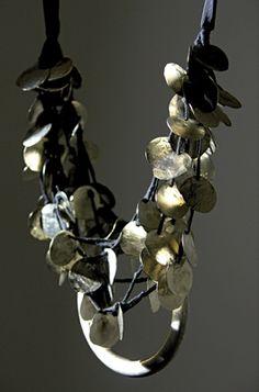 Maria Calderara (do this w/jingle shells) Jewelry Crafts, Jewelry Art, Beaded Jewelry, Jewelry Design, Fashion Jewelry, Tribal Jewelry, Cool Necklaces, Jewelry Necklaces, Statement Necklaces