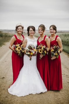 Bismarck, ND Wedding Photography - Bridesmaids, red, color, Flowers, bouquets, dresses, dress