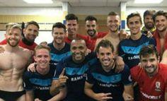 La foto más embarazosa de los futbolistas del Middlesbrough  ... - http://www.vistoenlosperiodicos.com/la-foto-mas-embarazosa-de-los-futbolistas-del-middlesbrough/