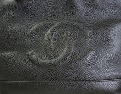 chanel logo bag