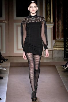 Andrew Gn Parigi - Collections Fall Winter - Shows - Vogue. Runway Fashion Outfits, Catwalk Fashion, 90s Fashion, Chic Outfits, Pretty Outfits, High Fashion, Fashion Show, Fashion Looks, Fashion Design