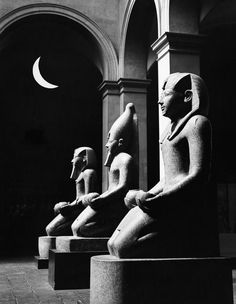 The three statues of queen Hatshepsut. In row, kneeling and m.- three statues of queen Hatshepsut. In row, kneeling and m.- three statues of queen Hatshepsut. Ancient Egypt Art, Old Egypt, Ancient History, Egypt Museum, Frida Art, Religion, Archaeological Discoveries, Visit Egypt, Futuristic Art