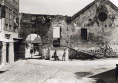 by Fred Boissonnas Harbour gate and old shipyard, Chania, Crete, Greece Crete Island, Greek History, Frederic, Simple Photo, Old Maps, Back In Time, Vintage Photography, Old Pictures, Athens