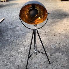 Cool indsutri Lamp H 160 / Fram 62x62 cm Price: 3.400 kr