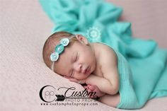 These dyed cheesecloth baby wraps are made with a high quality which is built to last. The wonderful stretch makes these wraps easier to use.