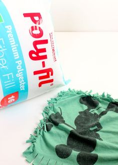 poly-fit-sutffing-for-diy-pillows