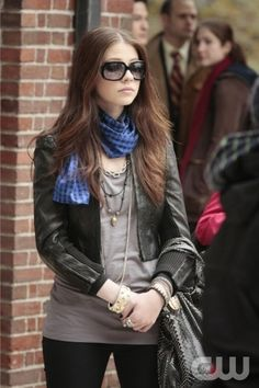 Cropped jacket and scarf - Michelle Trachtenberg - Gossip Girl