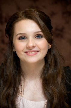 Abigail Breslin: LAura thinks she would play me if they ever make a movie of my life.
