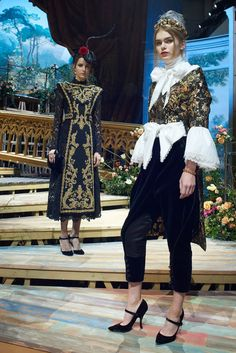 5e1f576c0643 Dolce   Gabbana Find Inspiration for Their Spring 2017 Alta Moda Show in the
