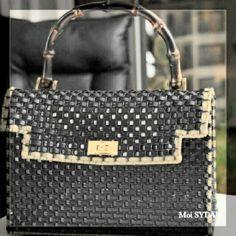 Crochet Handbags, Plastic Canvas, Shoulder Bag, Wallets, Craft Bags, Leotards, Crocheting, Tejidos, Crochet Purses