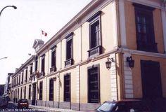 La Casa de la Moneda muestra la historia económica del Perú.  Las monedas y billetes también cuentan con un museo que exhibe una importante colección numismática de nuestro país. La exposición la encuentra en el antiguo local del Tribunal Mayor de Cuentas, actualmente llamado la Casa de la Moneda, ubicado en el centro de Lima.