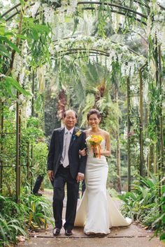 Au Jardin Les Amis | John and Rui Ying's Green and White Wedding at Singapore Botanic Gardens