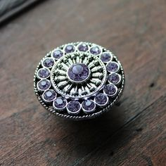 Gentil If You Are Looking For A Quick Update To A Piece Of Furniture In Your Home,  These Beautiful Silver And Crystal Drawer Knobs Are Just The Thing!