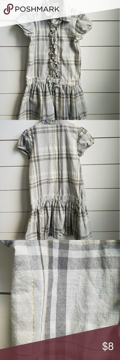 Plaid ruffle button up dress Size 6 plaid button-up dress. Colors are gray,charcoal, cream and has Shiny Gold throughout. Ruffles along the buttons. Gymboree Dresses Casual