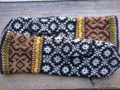 Варежки женские `Зимний вечер` Knit Socks, Knitting Socks, Small Things, Gloves, Embroidery, Fingerless Gloves, Tricot, Wrist Warmers, Photo Illustration