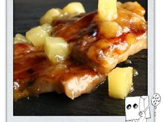 Secreto ibérico con salsa de piña y miel Organic Recipes, Ethnic Recipes, Pork Dishes, Hawaiian Pizza, Ribs, Baked Potato, Mashed Potatoes, Macaroni And Cheese, French Toast