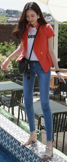 StyleOnme_Dailywear Slim Legs Skinny Jeans #blue #jeans #skinny #dailylook #stylish #koreanfashion #kstyle #kfashion #summertrend