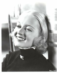 A young and blonde, Bette Davis Old Hollywood Movies, Old Hollywood Stars, Old Hollywood Glamour, Vintage Hollywood, Classic Hollywood, Hollywood Icons, Vintage Glamour, Hollywood Actresses, Vintage Men