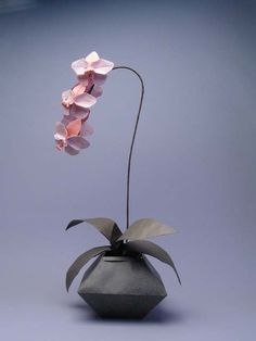 Robert J. Lang > Origami Model > Orchid, opp. 390, 392-394