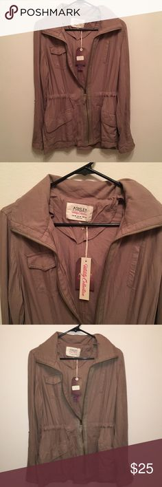 NWT khaki lightweight utility jacket NWT ashley 26 international utility jacket Cinches at the waist for a perfect fit Also has hood. Perfect jacket that goes with virtually everything Ashley By 26 International Jackets & Coats Utility Jackets