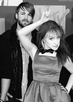 Jeremy Davis (bass) and Hayley Williams (vocals) of Paramore
