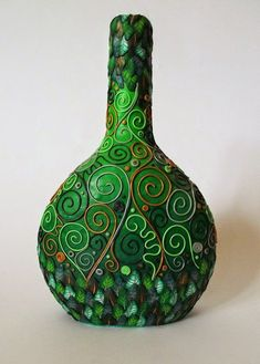 Polymer Clay Green Decorative Bottle - simple y moderna para variar Diy Bottle, Wine Bottle Crafts, Bottle Art, Bottle Lamps, Polymer Clay Sculptures, Polymer Clay Art, Polymer Clay Projects, Polymer Clay Creations, Bottles And Jars