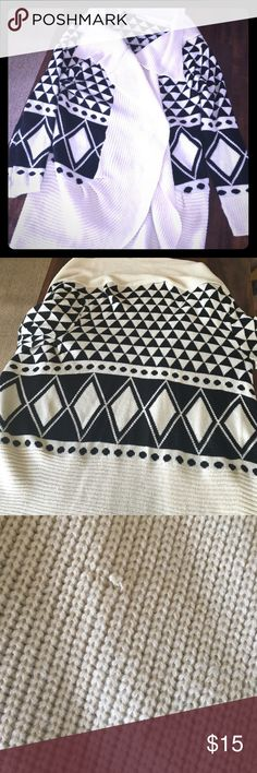Forever 21 Cardigan Shall This is perfect with leggings and boots. It's long sweater cardigan, front hangs loosely. Size large. Small pull on the sweater. Color is Ivory and Black Aztec pattern Forever 21 Sweaters Cardigans