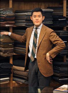 shibumi-berlin: The Master Kotaro Miyahira of Sartoria Corcos Firenze… Bespoke Tailoring, Knit Tie, Blazers For Men, Suit And Tie, Gentleman Style, Timeless Fashion, Dapper, Nice Dresses, Mac