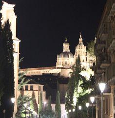 Salamanca. Torres de la Clerecía vistas desde la calle del Rosario.